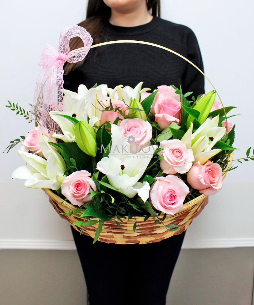 Корзина с цветами «Восхищение»