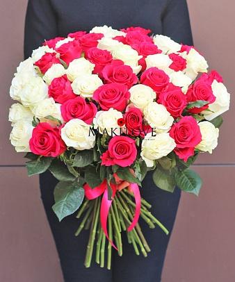 Букет 51 белая и розовая роза