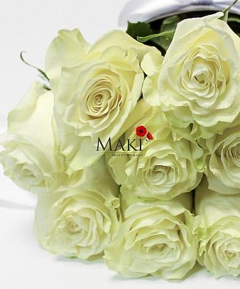 Розы в конусе