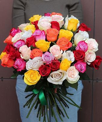 Букет 51 разноцветная роза