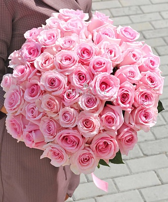 Букет 45 розовых роз