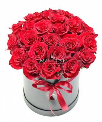 Букет роз в шляпной коробке «Мадрид»
