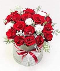 Букет роз в шляпной коробке «Гонконг»
