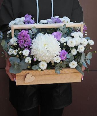 Букет в ящике «Чистая любовь»