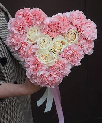 Букет «Люблю!» в форме сердца