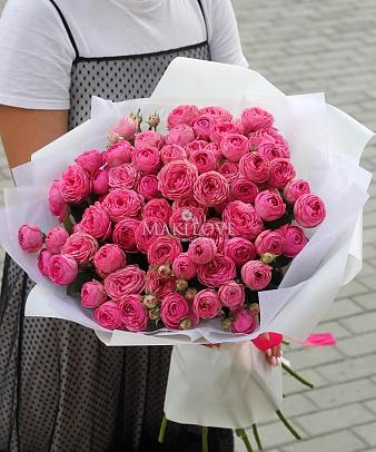 Букет из 15 пионовидной кустовой розы