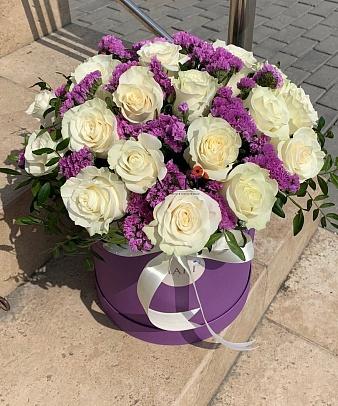 Букет роз в шляпной коробке «Латина»