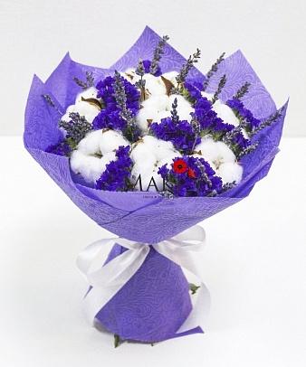 Букет из сухоцветов с хлопком и лавандой