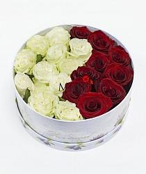 Букет роз «Инь и ян» в коробе