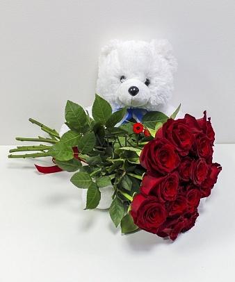 Букет роз с мягкой игрушкой «Влюбленный мишка»