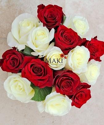 Букет роз в шляпной коробке «Токио»