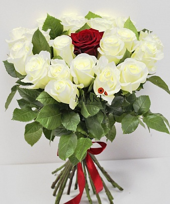 Букет из 21 розы «Единственной»